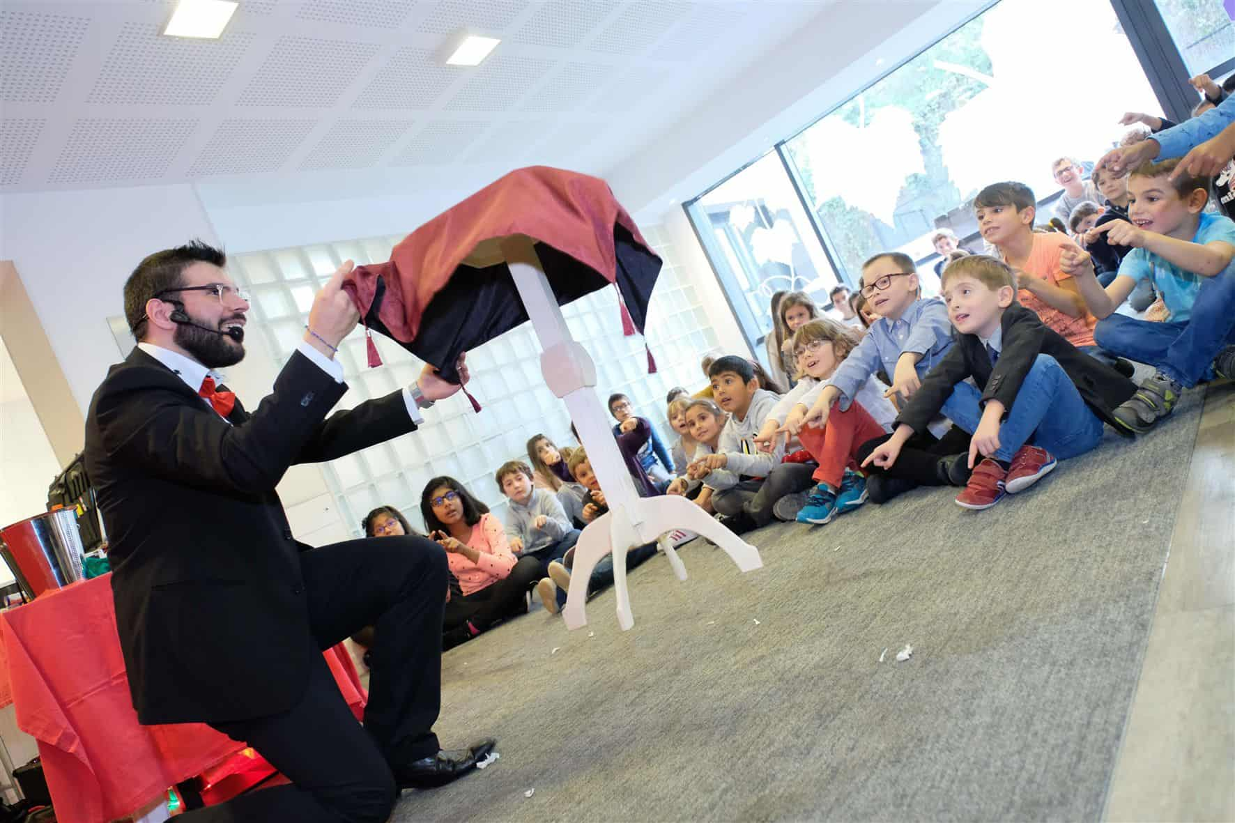 Photo of Elvine The Magician performing his Show